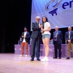 Marina Ramos recogió el trofeo como capitana del equipo