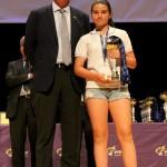 Patricia García recogió el trofeo como capitana del equipo